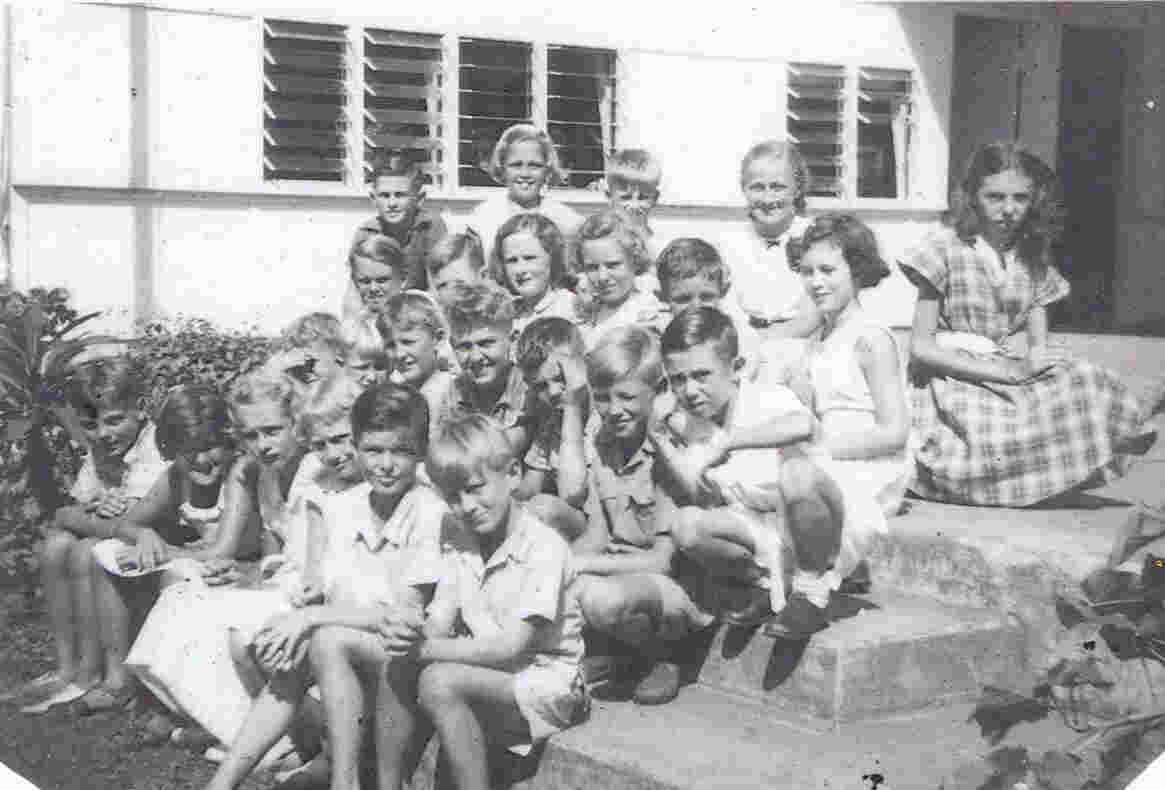 Top row;  left to right;  Bede Wright, Geraldine Chapman, Timothy Coin, Marcia Searle, Cynthia Schmidt. Second row;  far left, Eric Judd, second left, Peter Walsh, third left, Carol Wright; far right, Robyn Broadhurst. Front row;  third left, Sue Donald.